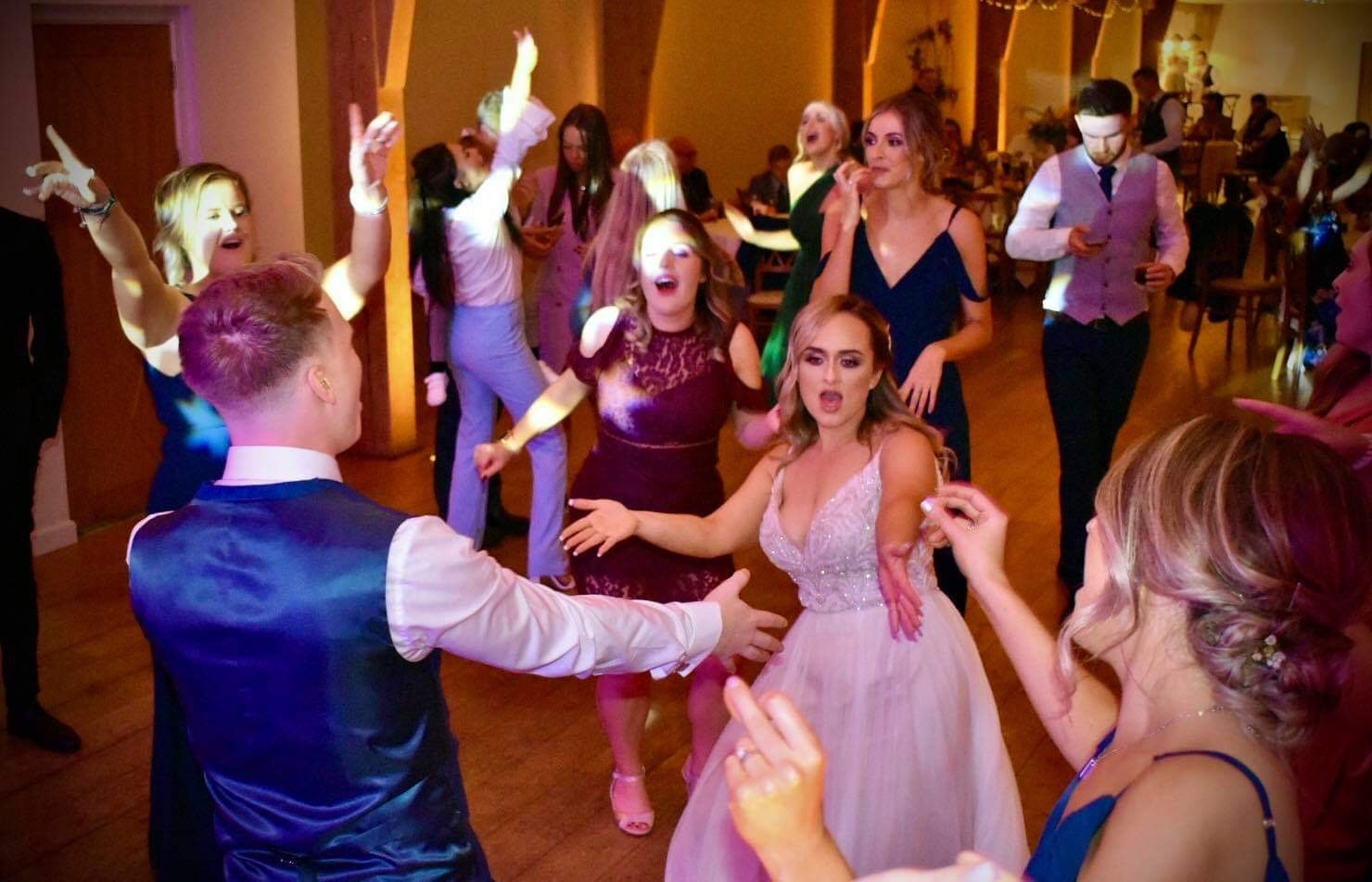 How to Choose The Perfect Wedding Ceremony Song